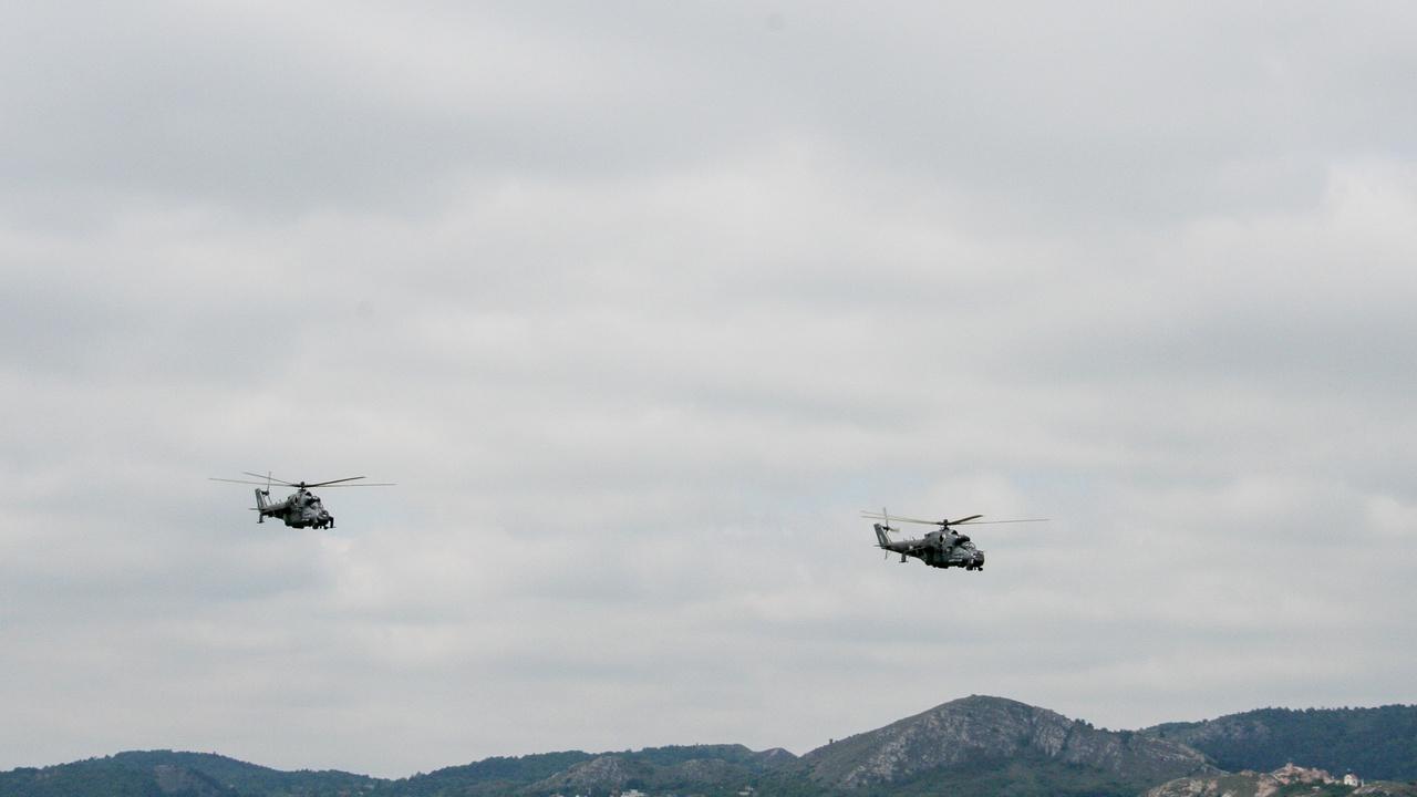 A jelen: két Mi-24 P támad meg egy képzeletbeli őrjáratot