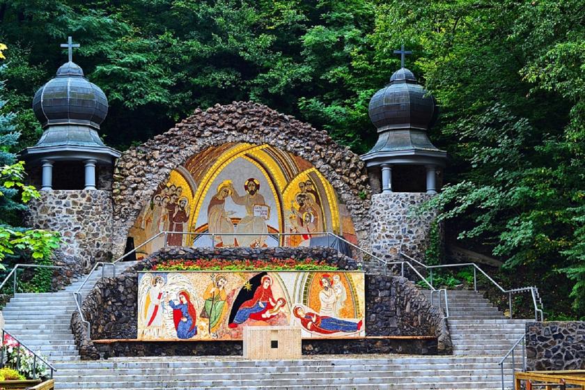 Ivott a kút vizéből, és meggyógyult a néma fiú: a mátraverebélyi Szűz Mária-jelenések