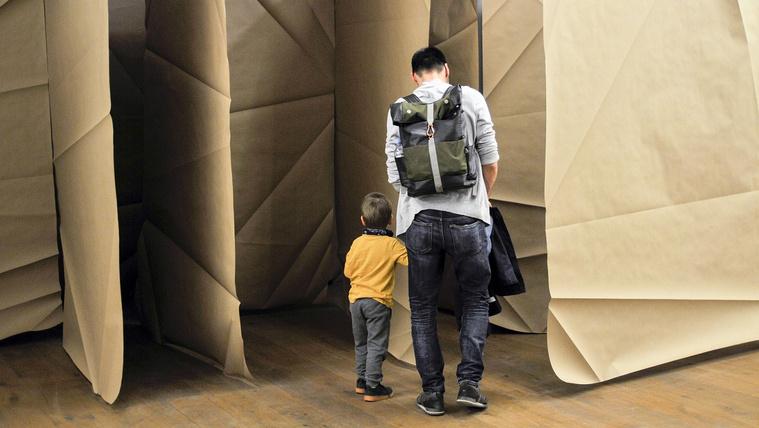 Veszítse el a papírlabirintusban gyermekét!