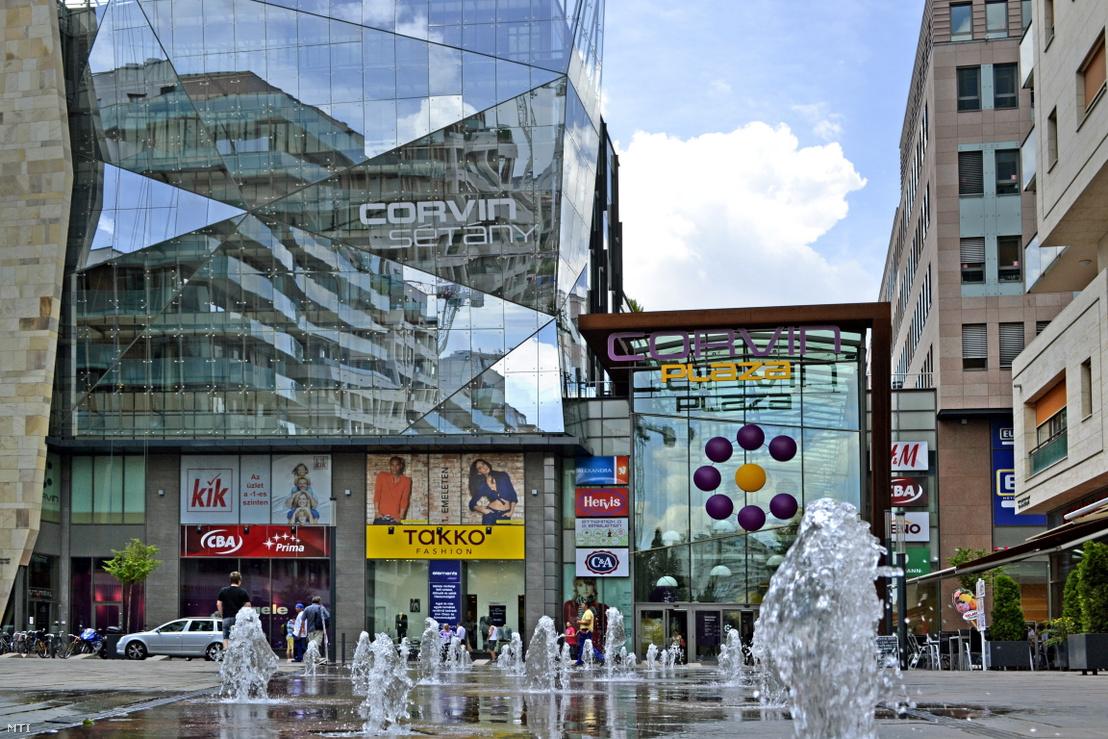 Másik pláza a lehetséges négy új vételből: Corvin Plaza
