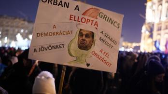 A magyar felső osztálynak egyre jobban tetszene egy diktatúra