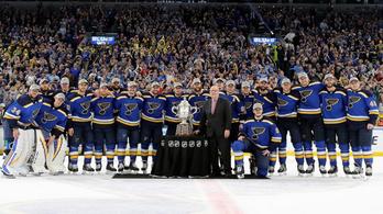 49 év után lett nagydöntős egy csoportutolsóból az NHL-ben