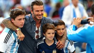 Együtt edzettek és szelfiztek David Beckham fiai