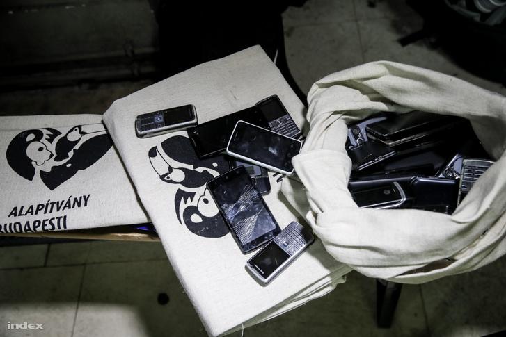 Begyűjtött telefonok
