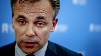 Egyéb kategóriába sorolták a nemi erőszakot és a gyilkosságot, lemondott a holland államtitkár