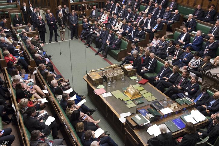 Theresa May a brit alsóházban 2019. május 22-én