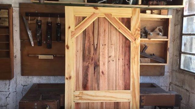 Raklapból rusztikus ajtó