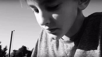Egy 13 éves pécsi fiú filmjét díjazták Cannes-ban