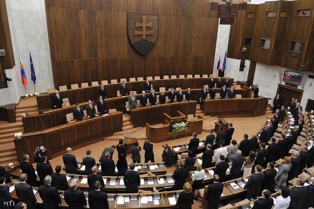 Leteszik esküjüket az új összetételű szlovák törvényhozás leendő képviselői