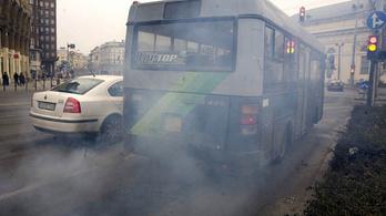 Erős a nitrogén-dioxid-szennyezettség a budapesti buszmegállókban