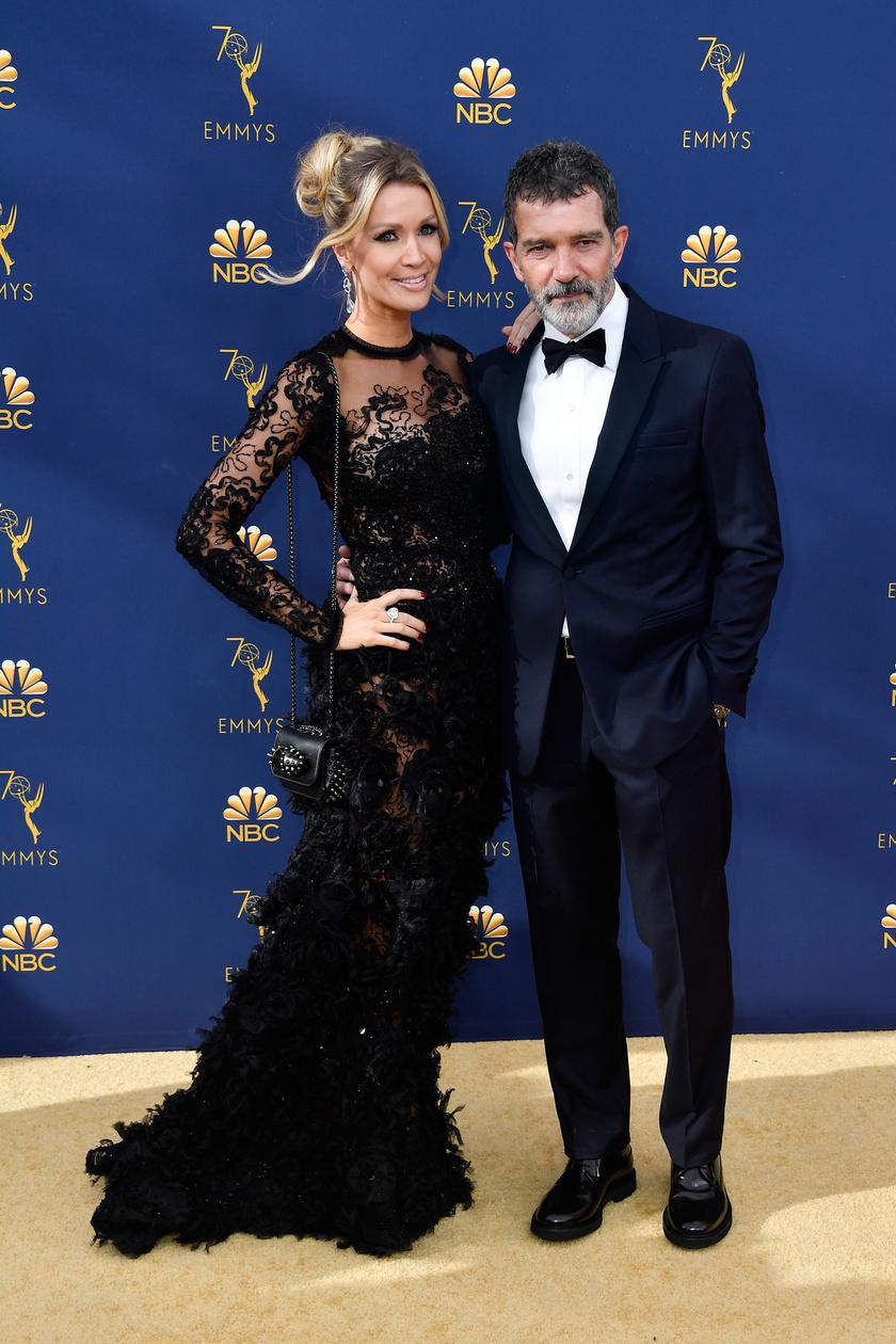 Az elején sokan megszólták Antonio Banderas-t és Nicole Kimpelt - főként azért, mert nagyon sajnálták, hogy tönkrement a színész házassága Melanie Griffith-szel. Mára elfogadták őket, és egyre több pozitív kommentet kapnak a kapcsolatukra.
