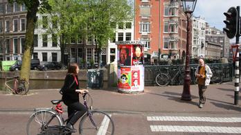 Exit poll: Timmermans pártja nyeri az EP-választást Hollandiában