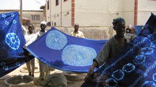 A nigériai kékfestők művészete