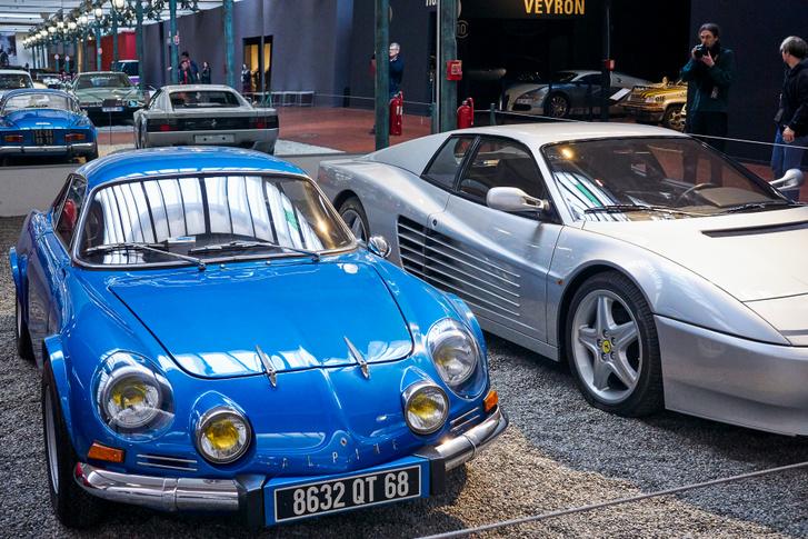 Sok közös nincs e két sportkocsiban, talán csak az, hogy mindkettő legendás
