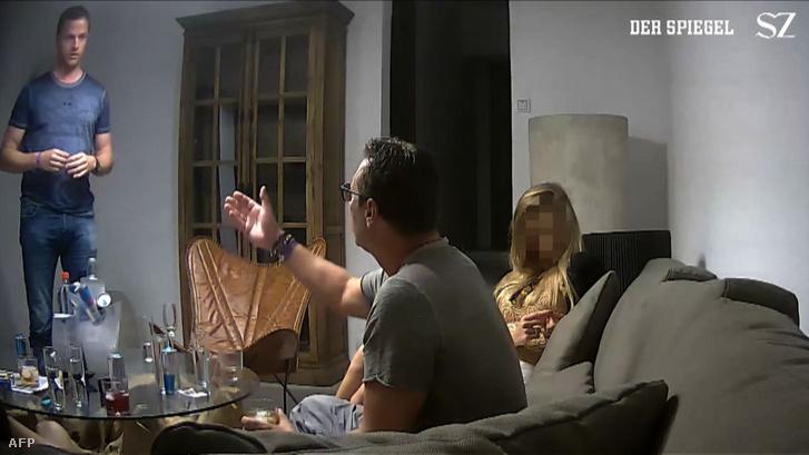 Képernyőkép Strache rejtettkamerás felvételéről