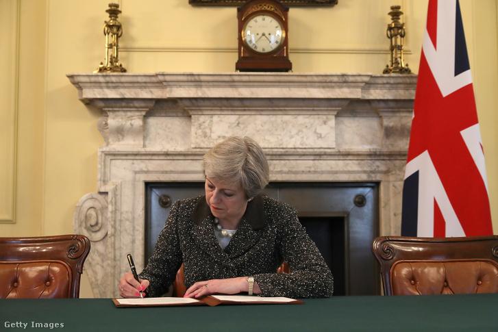 A neve vitathatatlanul egybeforrt a Brexittel. 2017 március 28-án írta alá az Európai Tanács elnökének Donald Tusknak címzett, a Lisszaboni Szerződés 50. cikkelyének aktiválásáról szóló értesítést.