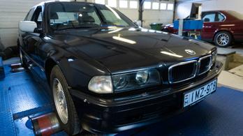 Totalcar Erőmérő: BMW 750i E38 – 1998.