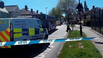 Két gyerek meghalt, négyet kórházba szállítottak Sheffieldben
