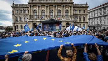 Ha olyan életszínvonal lenne, mint Nyugat-Európában, Orbán 20 másodperc alatt megbukna