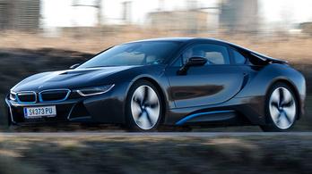 Full villanyosként élhet tovább a BMW sporthibridje