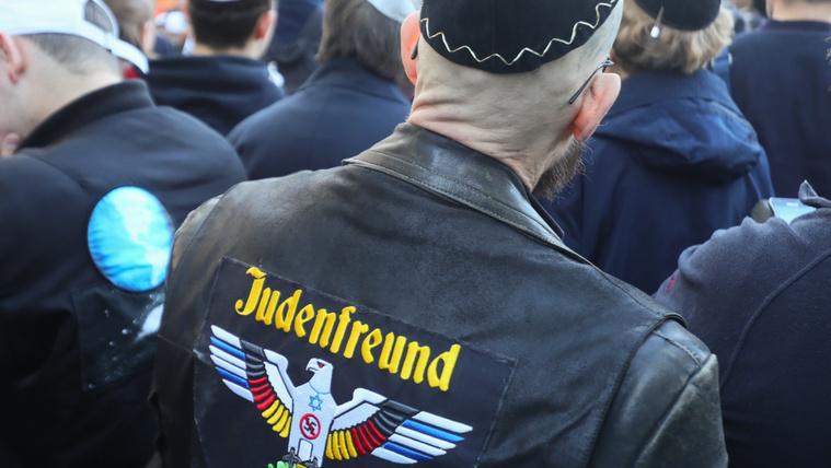 Már hivatalosan sem ajánlott kipát viselni Németországban
