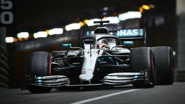 F1: Hamiltoné a pole, a Ferrari óriásit hibázott Monacóban