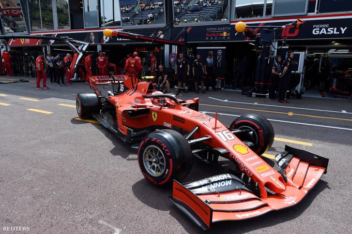 Charles Leclerc a Ferrariban a Monacói Nagydíj időmérőjén