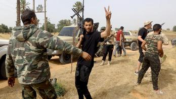 Újra beindult Tripoli ostroma