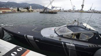 Egy kishajó, amin 17 milliárd forint utazott