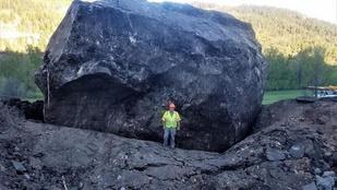 Ház méretű sziklatömbök zártak le egy utat Coloradóban