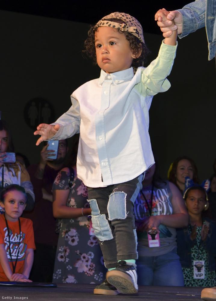 Valószínűleg ő volt a legfiatalabb személy, aki felvonult a 2019-es Los Angeles-i DragCon kifutóján.