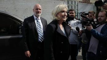 Le Pen legyőzte Macront