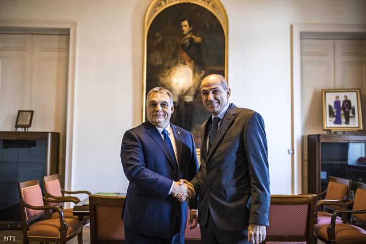 Orbán Viktor miniszterelnök (b) és Janez Jansa, a Szlovén Demokrata Párt elnöke brüsszeli találkozójukon 2018. december 13-án