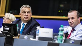 Ha Bayer Zsoltra hallgat Orbán, akkor a Fidesz most lép ki a Néppártból