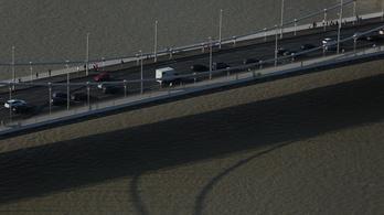Ha így folytatja a Duna, le lesz zárva az alsó rakpart