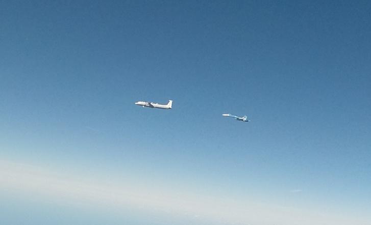 A május 14-én elfogott Il-22-es és egyik Szu-27-es kísérője