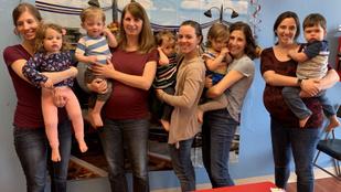 Az 5 barátnő több év próbálkozás után egyszerre lett terhes