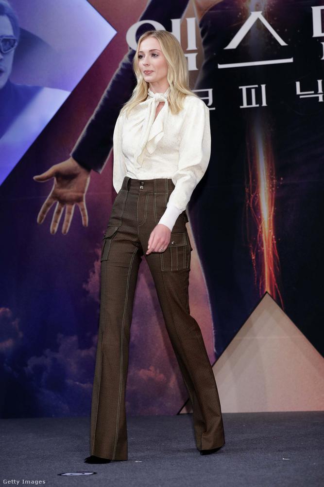 Sophie Turnerből, aki a Trónok harcában Sansa Starkot alakította, szép lassan mozisztár lett