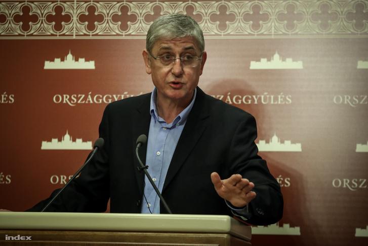 Gyurcsány Ferenc a parlamentben tartott sajtótájékoztatóján 2019. május 27-én