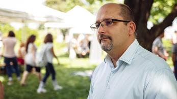 Az LMP-s Csárdi Antal szerint Puzsér megpróbál kibújni a felelősség alól