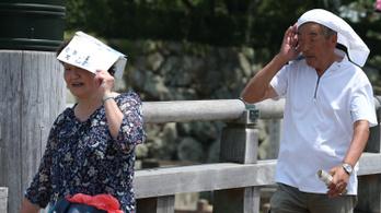 Négyen haltak meg, kétezren kerültek kórházba a hőség miatt Japánban