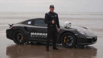 Egy 1200 lovas Porsche a leggyorsabb, homokon