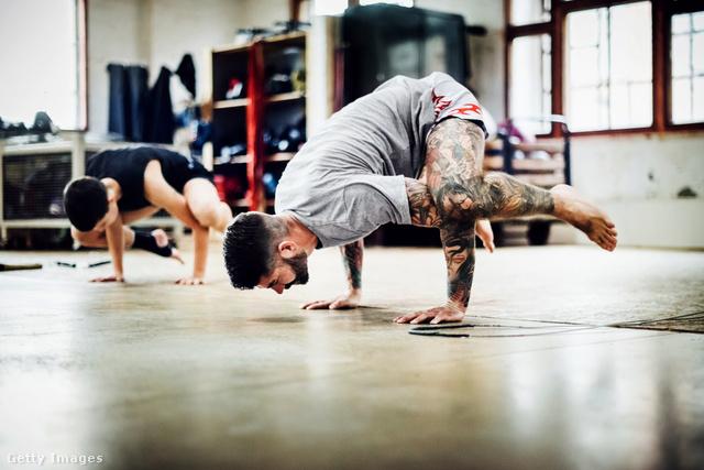 A saját testsúlyos edzés az ember számára a legtermészetesebb és legkényelmesebb mozgásforma