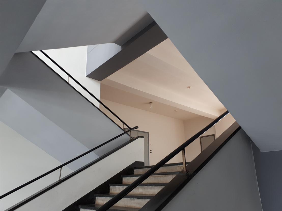 A Bauhaus-lépcsőház, amit Oscar Schlemmer  híres festményén is megörökített