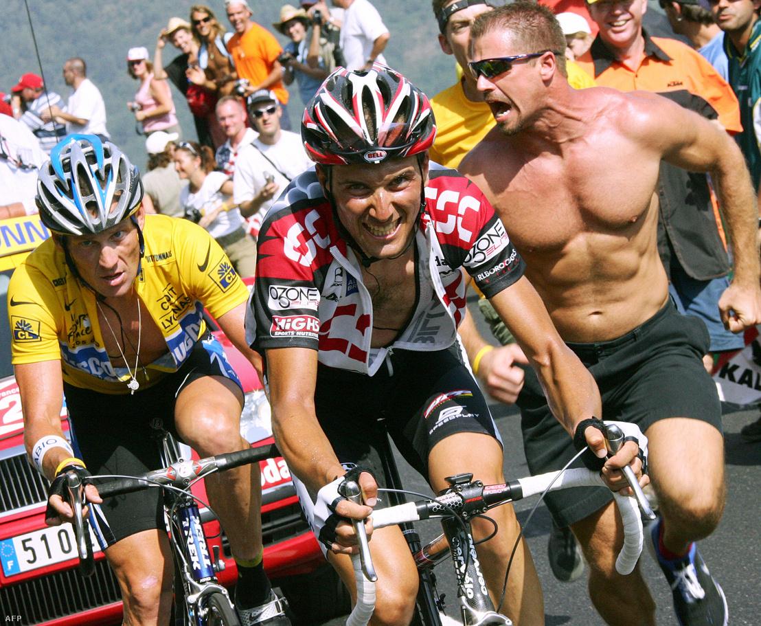 2005-ben a Tour de France-on versenyez, mellett Lance Armstrong