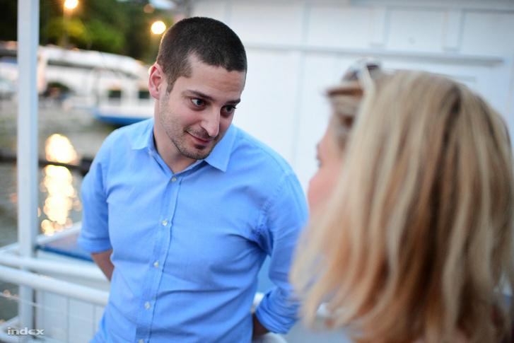 Ungár Péter az LMP eredményváró rendezvényén nyilatkozik