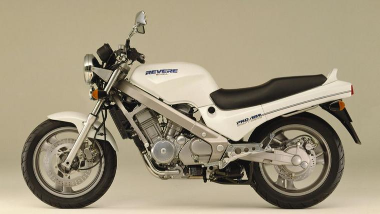 Honda NTV650 Revere (1991)