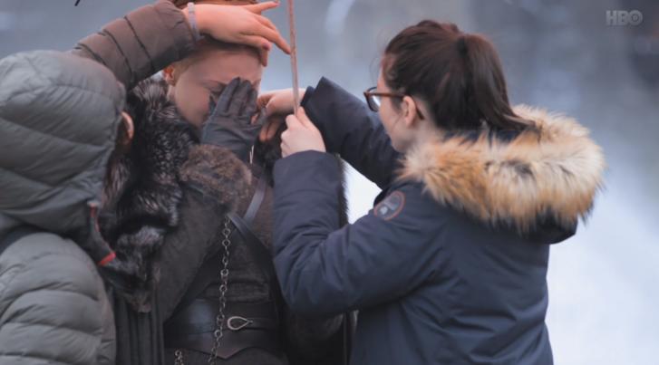 Sophie Turnert megviselte a halott máglyás jelenet.