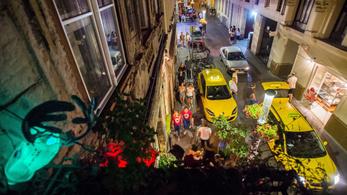 Szembeszállnak a zsidózó részeg turistákkal