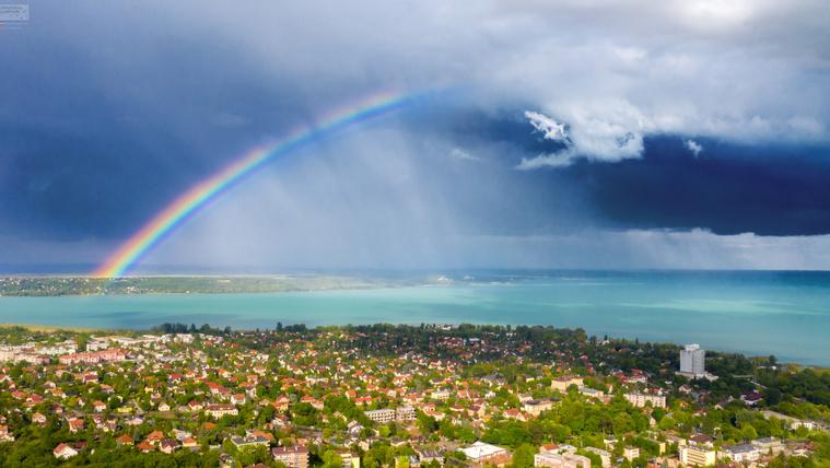 Szivárvány a Balaton fölött, viharban